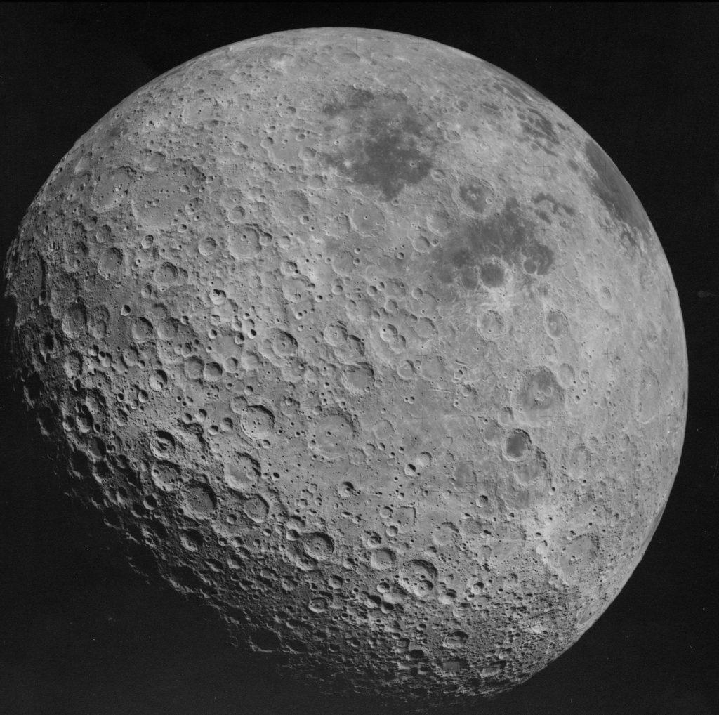 Lors de la mission Apollo 11, Neil Armstrong aurait été confronté à des extraterrestres.