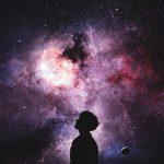 L'âme des starseed reste entourée de lumière pour qu'ils puissent aider dans le processus d'ascension planétaire en toute sécurité.